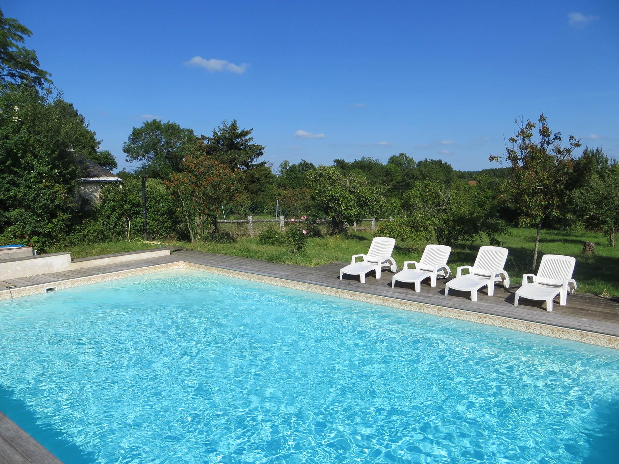 Grand gîte piscine fonteneilles