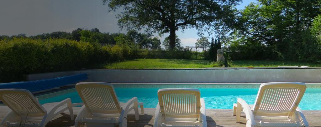 Grand gîte Les fonteneilles piscine